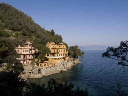 Ligurian Sea wwwworldatlascomaatlasinfopageaaaphotosligur