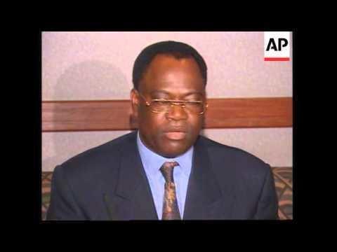 Likulia Bolongo ZAIRE NEW PRIME MINISTER GENERAL LIKULIA BOLONGO MEETS NEW CABINET