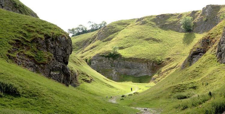 Limestone Way The Limestone Way Walking Route in Castleton Peak District