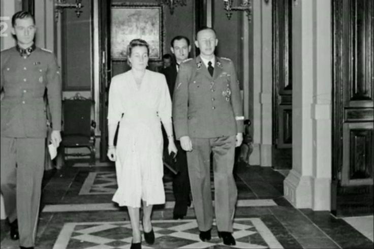 Lina Heydrich Heydrich couple in Prague Photo from httpwww