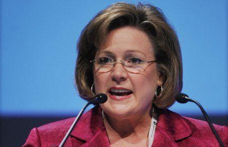 Linda Cook (business) Linda Cook Royal Dutch Shell Plc com