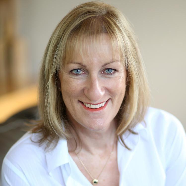 Linda Cooper (politician) httpspbstwimgcomprofileimages5558535439622