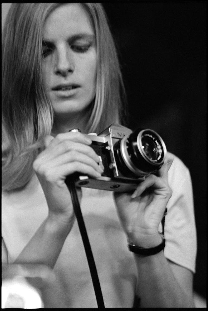 Linda McCartney Linda McCartney Life in Photographs39 French and German