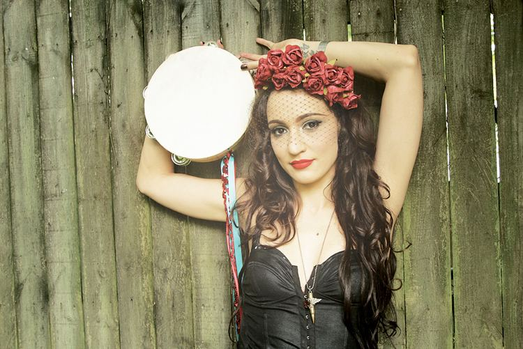 Lindi Ortega New Music To Know Lindi Ortega Rolls With Punks amp the