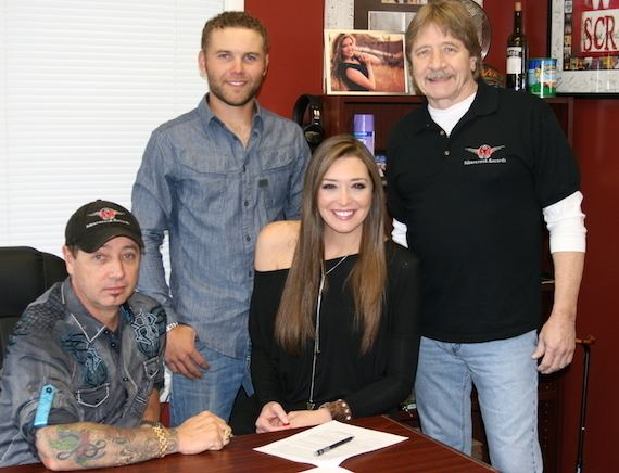 Lindsey Cardinale Lindsey Cardinales Good News Signed a Record Deal