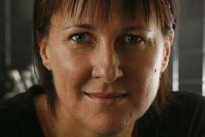 Lindy Burns Lindy Burns one of Australias senior radio broadcasters