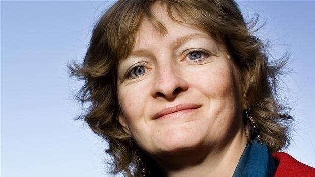 Line Barfod Rd veteran vil lave statsbank efter krise Politik DR