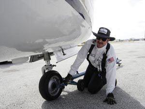 Line technician (aviation)