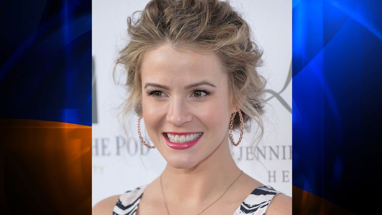 Linsey Godfrey Bold and the Beautiful39 Star Linsey Godfrey Hit By Car in
