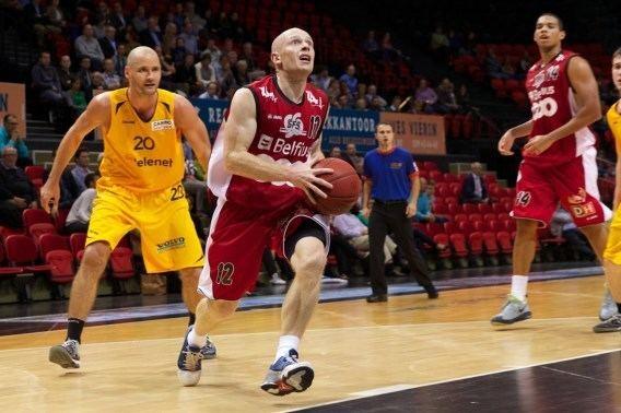 Lionel Bosco Basketballer Lionel Bosco ruilt Luik voor Bergen Sportwereld