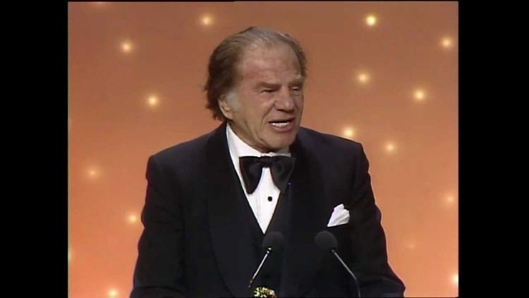 Lionel Stander Lionel Stander Wins Best Supporting Actor TV Series Golden Globes