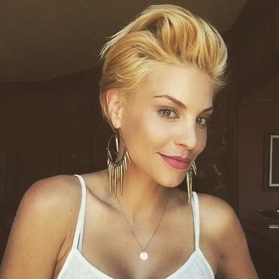 Lisa D'Amato httpspbstwimgcomprofileimages6091295460722