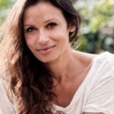 Lisa Francesca Nand httpspbstwimgcomprofileimages4226681482532