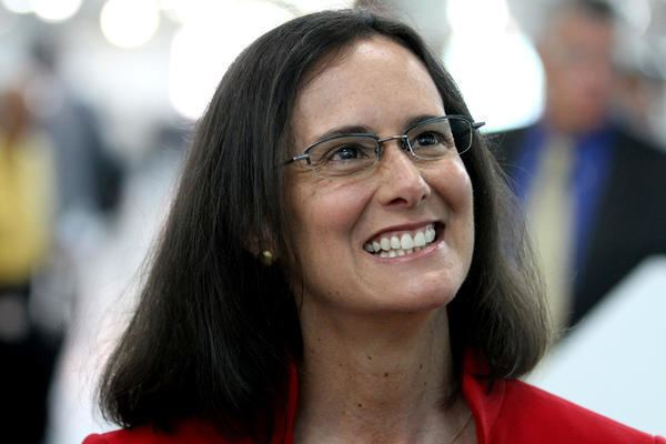 Lisa Madigan Lisa Madigan takes pass on governor39s race