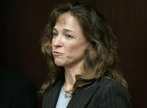 Lisa Nowak Exastronaut Lisa Nowak forced out of Navy USATODAYcom