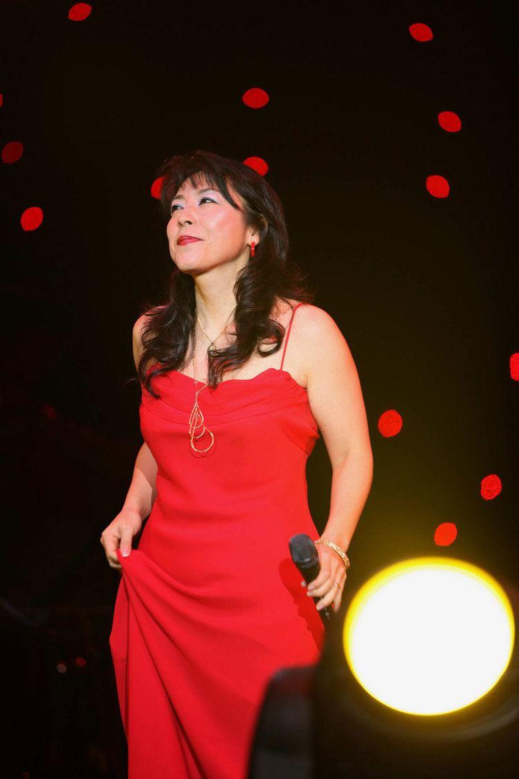 Lisa Ono Lisa Ono New Music And Songs