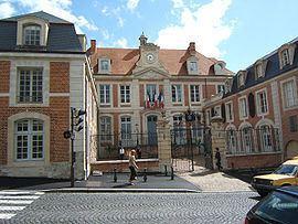 Lisieux httpsuploadwikimediaorgwikipediacommonsthu