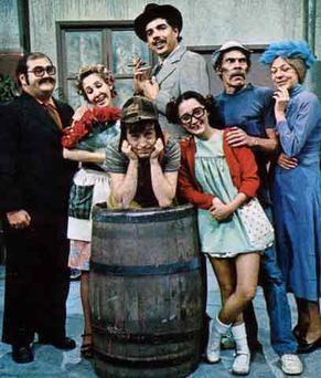 Florinda Meza, Maria Antonieta de las Nieves, Rubén Aguirre, Edgar Vivar, and Angelines Fernández, and Ramón Valdés in El Chavo del Ocho
