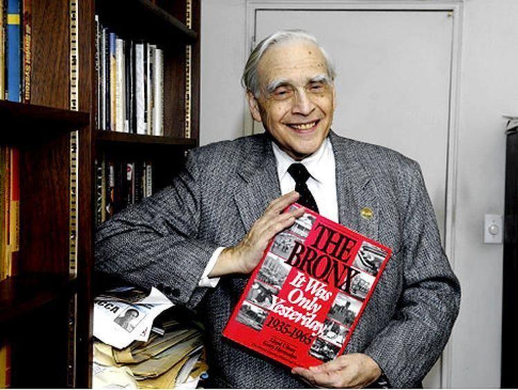 Lloyd Ultan (historian) Bronx historian puts the borough in perspective NY Daily