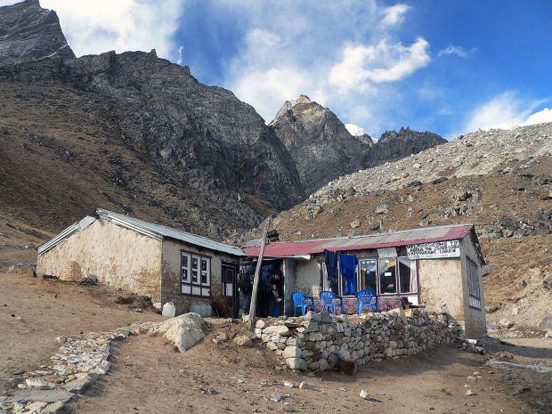Lobuche, Nepal wwwtraveltourguidecomhimalayatrekkinginnep
