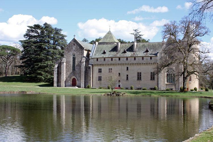 Loc-Dieu Abbey FileAbbaye de Loc Dieu 07jpg Wikimedia Commons