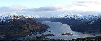 Loch Duich httpsuploadwikimediaorgwikipediacommonsthu