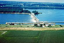 Lock and Dam No. 16 httpsuploadwikimediaorgwikipediacommonsthu