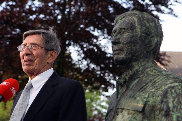 Lodewijk van den Berg Lodewijk van den Berg heeft borstbeeld Stichting