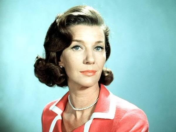 Lois Maxwell 141282largejpg