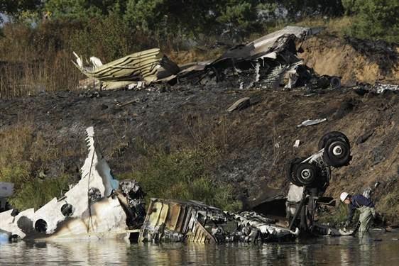 Lokomotiv Yaroslavl plane crash Ice hockey team Lokomotiv killed in Yaroslav plane crash Foxcrawl
