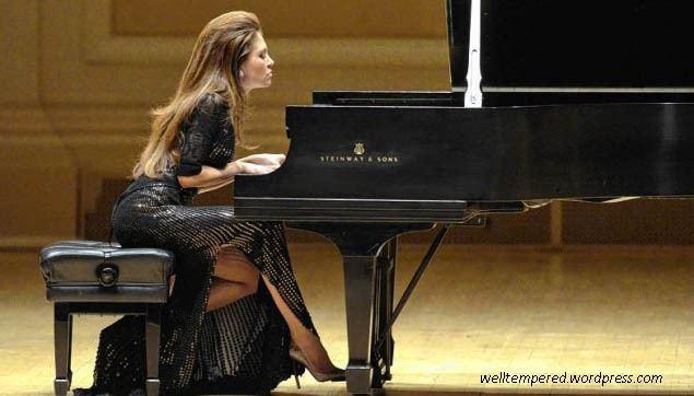 Lola Astanova Taormina Sicily August 16 2013 Lola Astanova plays
