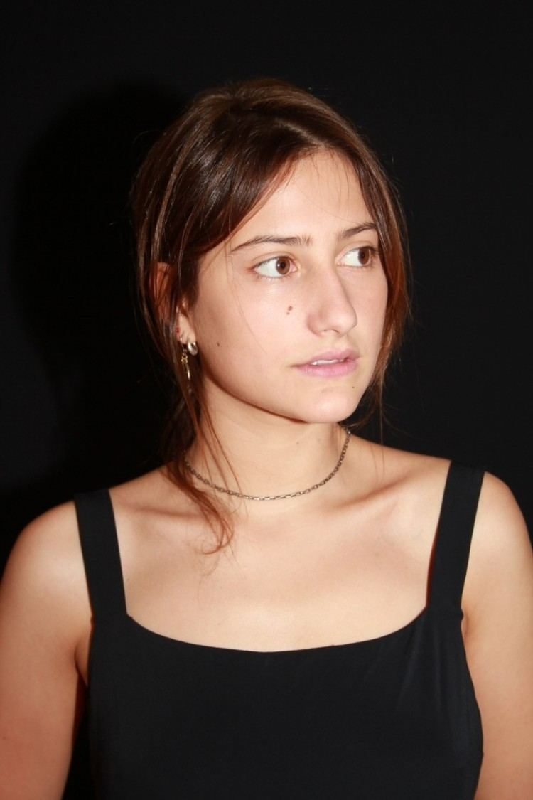 lola créton - alchetron, the free social encyclopedia
