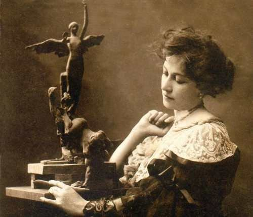 Lola Mora TucumanHoy Por amor al arte muestra en homenaje a Lola Mora