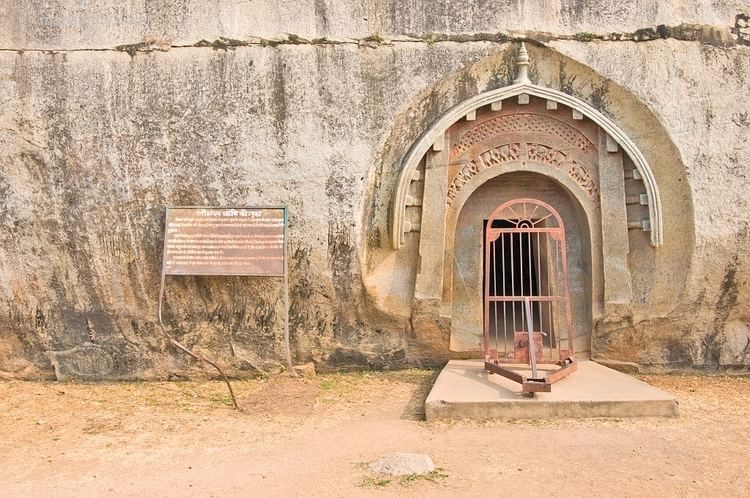 Lomas Rishi Cave A Passage To India LocationNotes Photos and Maps of the Barabar