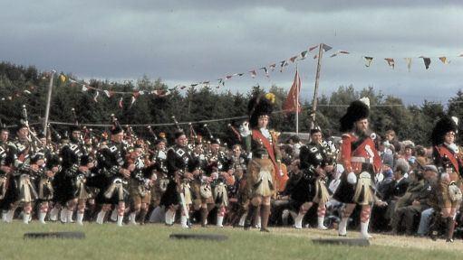 Lonach Highlanders