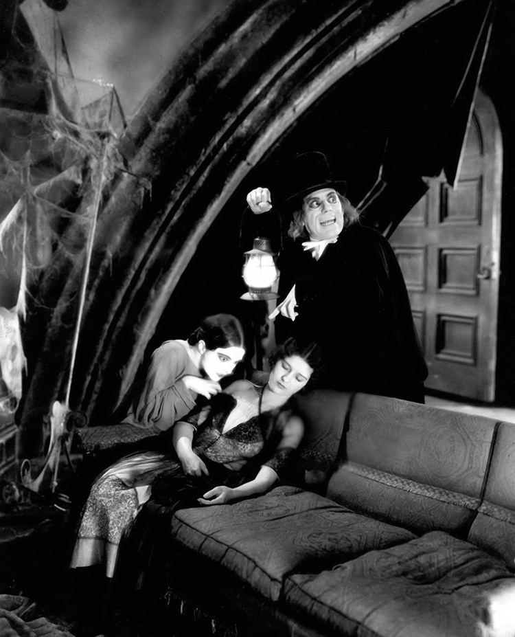 London After Midnight (film) With Edna Tichenor and Marceline Day in LONDON AFTER MIDNIGHT 1927