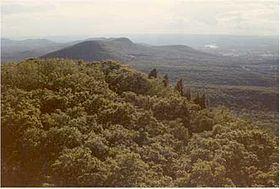 Long Mountain (Hampshire County, Massachusetts) httpsuploadwikimediaorgwikipediacommonsthu