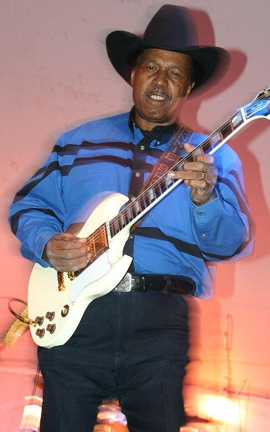 Lonnie Brooks BEYOND THE BLUES FESTIVAL