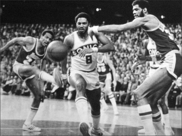 Lonnie Shelton Lonnie Shelton Seattle Supersonics Pinterest Nba basket and NBA