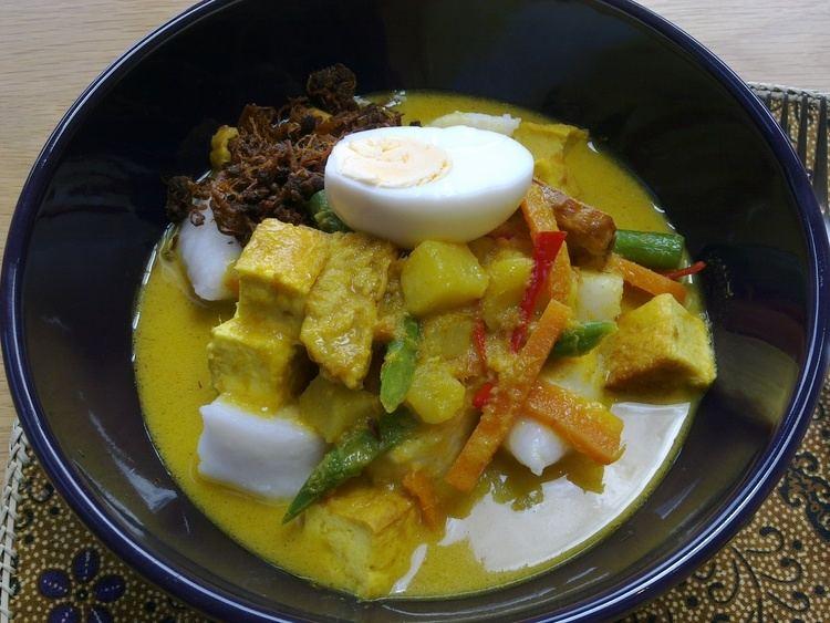 Lontong 1000 images about LONTONG Sayur lodeh on Pinterest Javanese