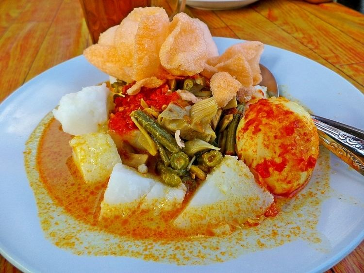 Lontong Goody Foody Indonesia Pictorial of The Day LontongKetupat Sayur