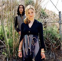 Looner (band) httpsuploadwikimediaorgwikipediacommonsthu