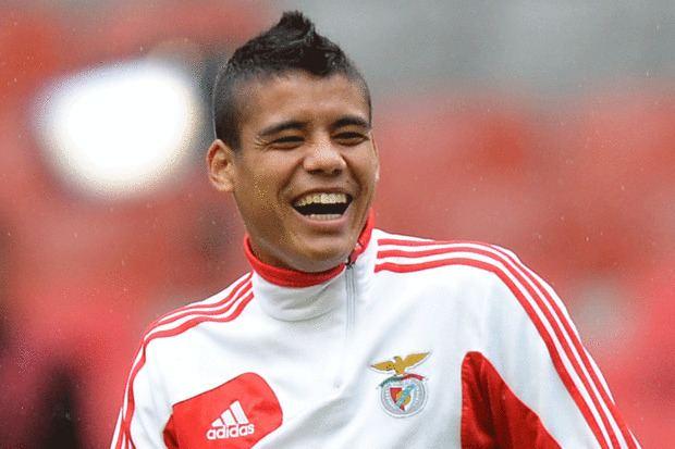 Lorenzo Melgarejo Arsenal mull move for Benfica leftback Lorenzo Melgarejo