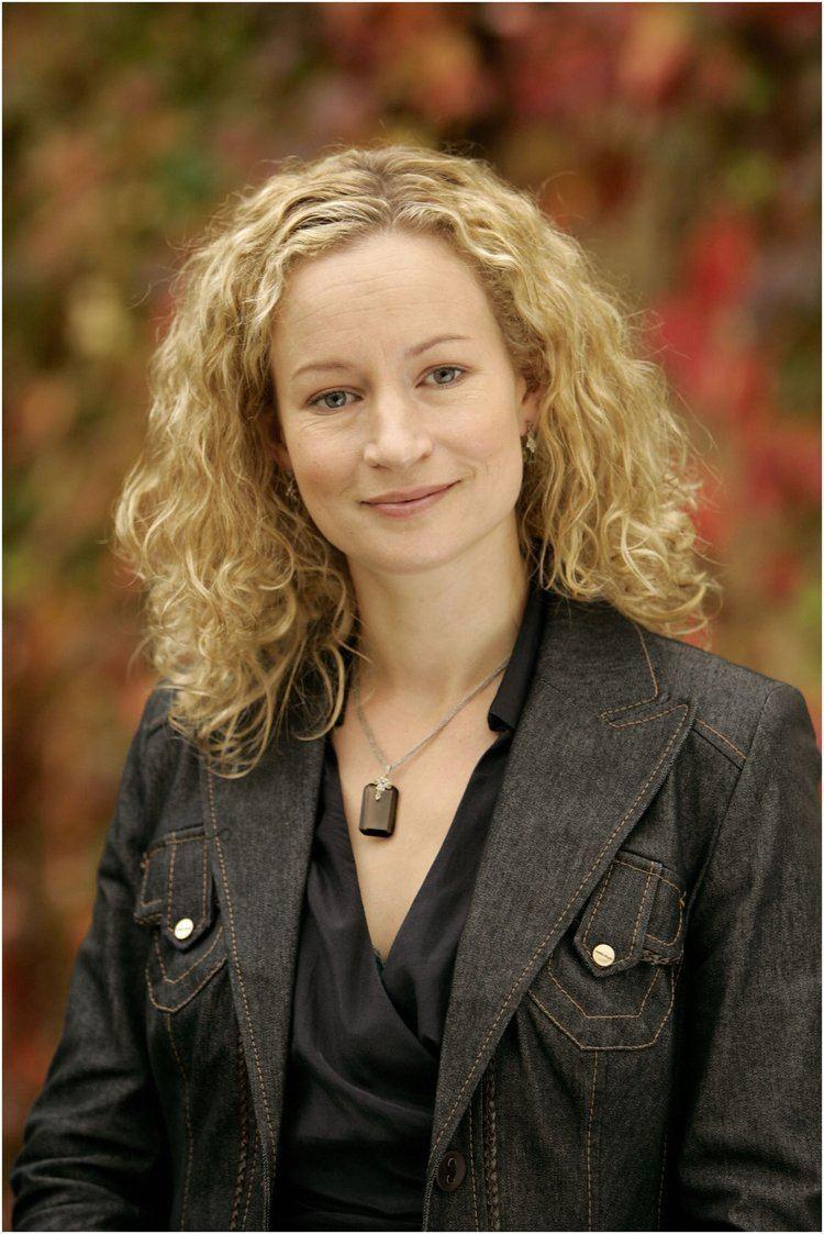Lorraine Pilkington Lorraine Pilkington Characters Cast and Profiles