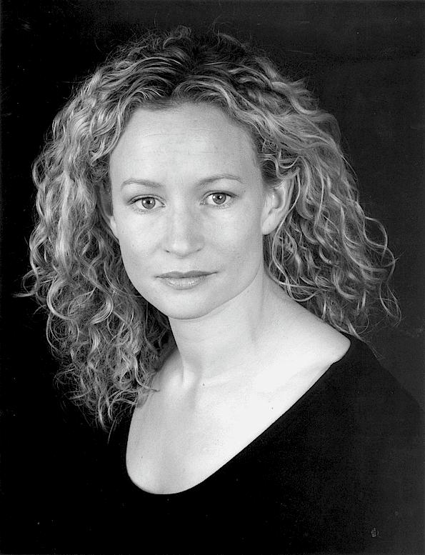 Lorraine Pilkington Gordon and French Lorraine Pilkington Profile