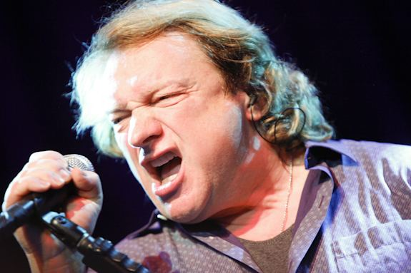 Lou Gramm Live Review Lou Gramm Is Making a Stunning Live Comeback