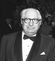 Louis B. Mayer httpsuploadwikimediaorgwikipediacommonsdd