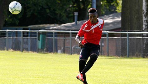 Louis Nganioni Louis Nganioni scoort bij zijn FC Utrechtdebuut RTV Utrecht