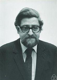 Louis Nirenberg httpsuploadwikimediaorgwikipediacommonsthu