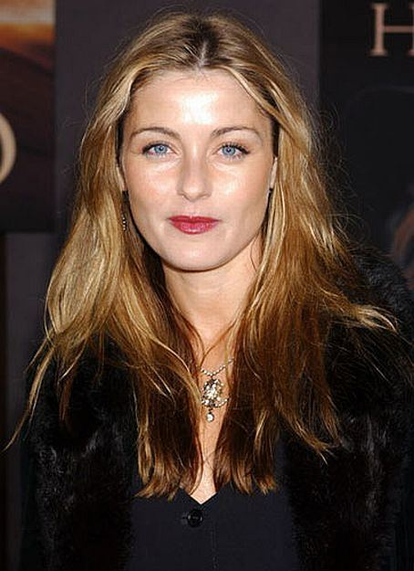 Louise lombard after the rain